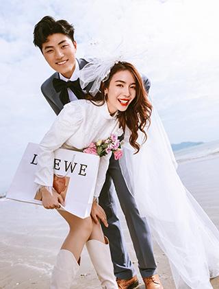 爱是奔赴与你相见_三亚婚纱摄影主题婚纱照