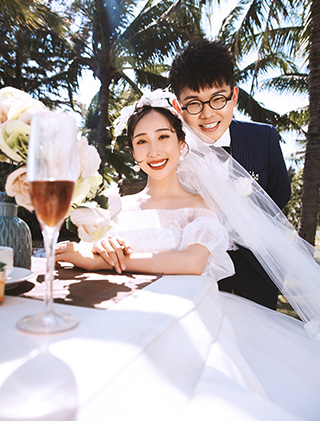李先生和汪女士的三亚婚纱照_三亚婚纱摄影主题婚纱照